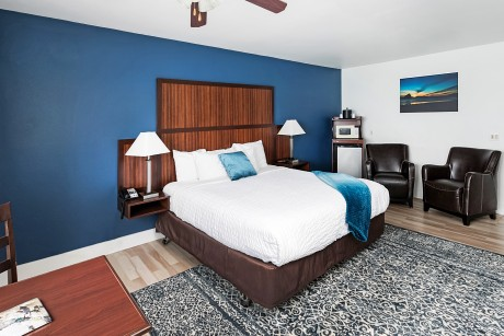 Surfrider Resort - Guest Room