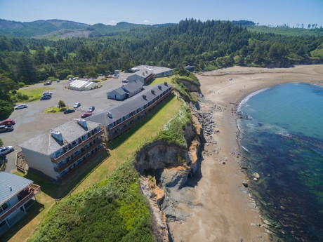 Surfrider Resort - Exterior