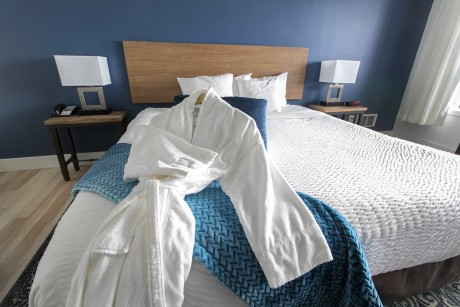 Surfrider Resort - Bathrobe