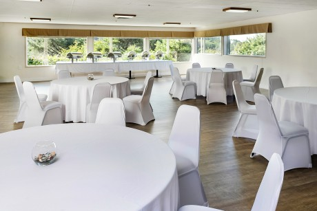 Surfrider Resort - Dining Area