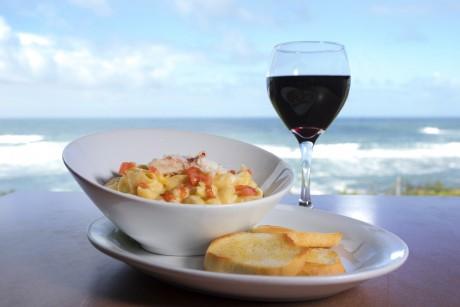 Surfrider Resort - Wine