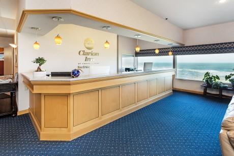 Surfrider Resort -  Lobby