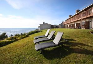 Surfrider Resort - Soak In the Sun